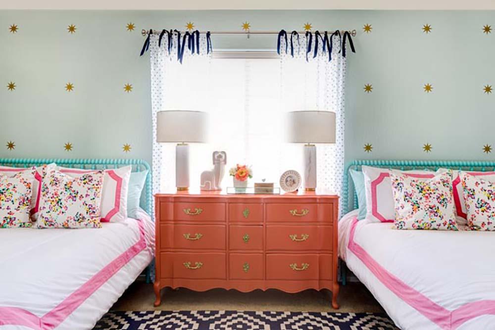 Coral And Aqua   Girls Room